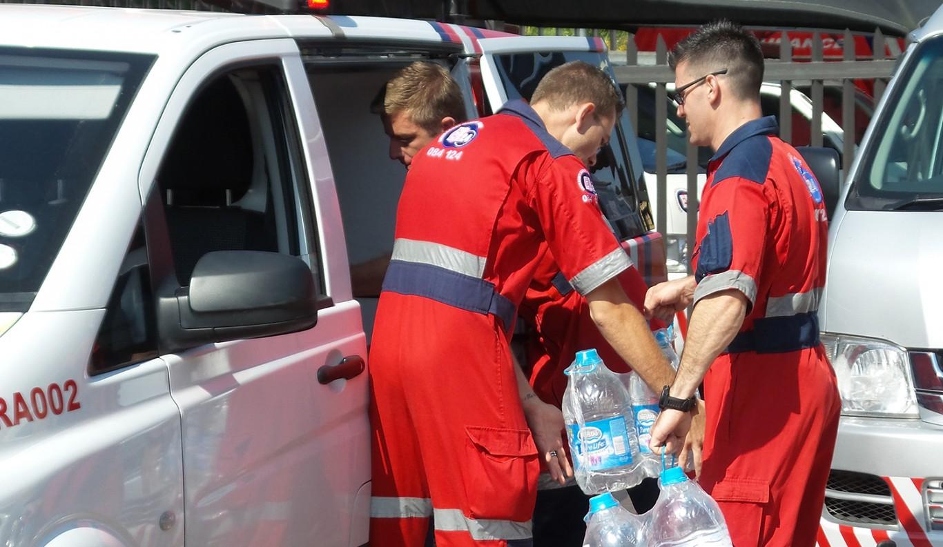 ER24 donates water 2