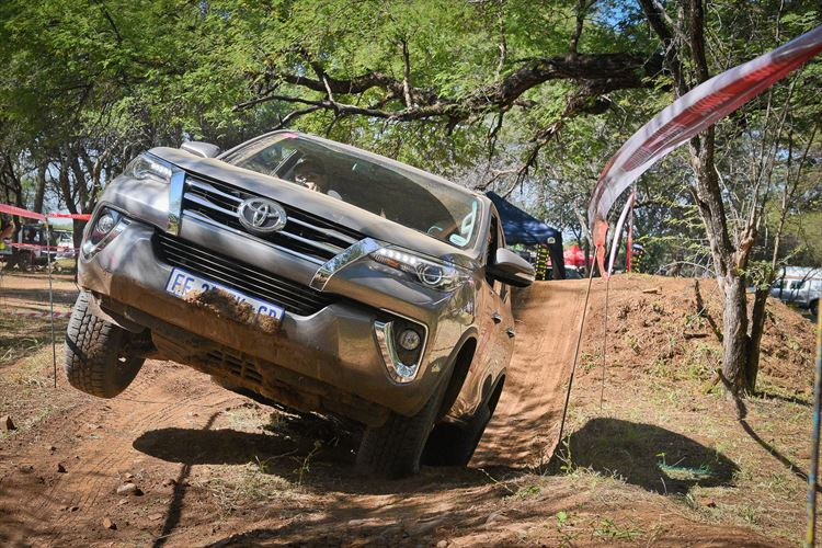 fortuner_obstacle-course_880x500