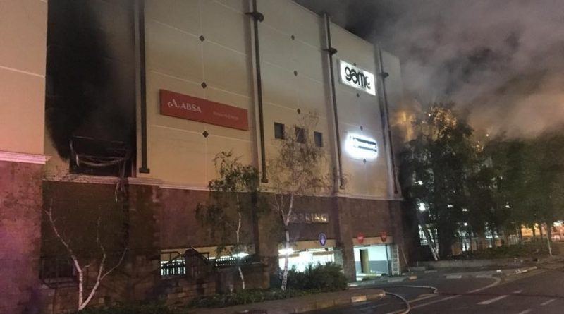 Photos from the scene during fire at Mimosa Mall in Bloemfontein